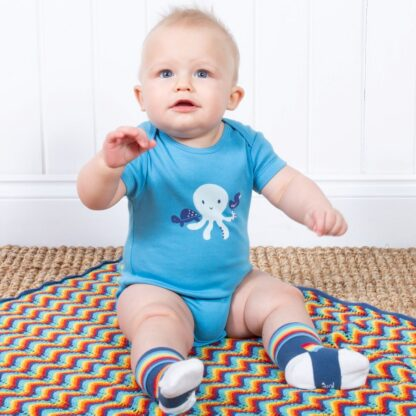 short sleeve blue baby bodysuit clothes to rent